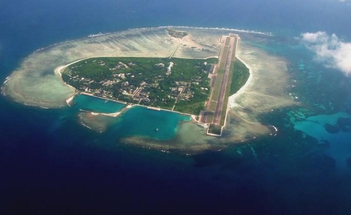 Trung Quốc có ý đồ quân sự hóa biển Đông bằng việc xây đường băngvà cơ sở hạ tầng phục vụ mục đích quân sự trên các đảo nhân tạo. Ảnh: Epic Times