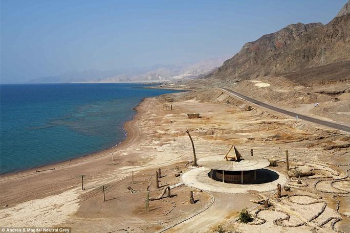 Khu nghỉ mát bên bờ biển ở Taba, gần biên giới Israel không bao giờ được hoàn thành