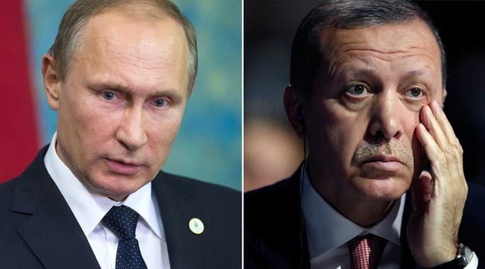 Quan hệ giữa 2 nhà lãnh đạo Nga (trái) và Thổ Nhĩ Kỳ (phải) đang rất căng thẳng. Ảnh: Reuters