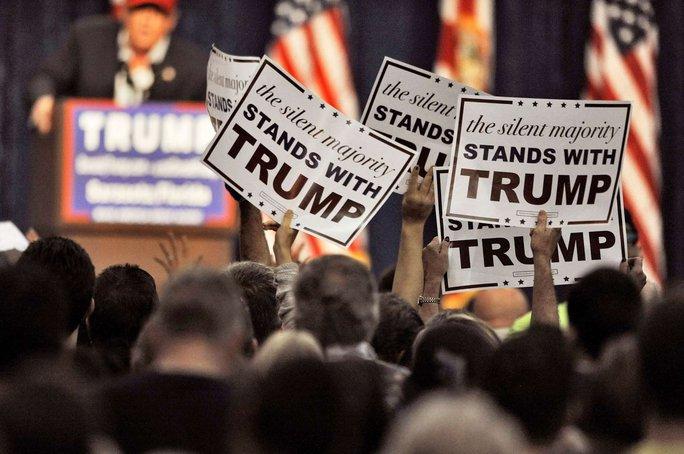 Ông Trump phát biểu trước những người ủng hộ ở TP Sarasota, bang Florida ngày 28-11. Ảnh: AP