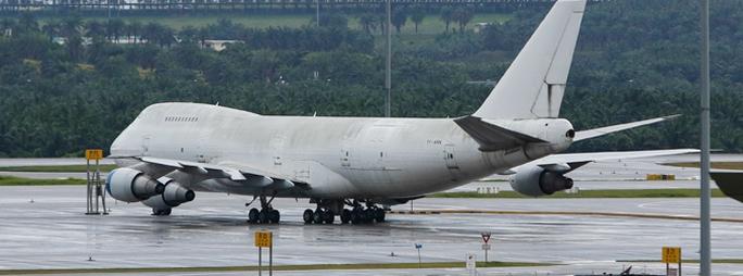 1 trong 3 chiếc máy bay bị bỏ rơi ở sân bay quốc tế Kuala Lumpur (KLIA). Ảnh: AP