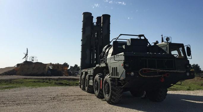 Hệ thống tên lửa S-400 của Nga. Ảnh: Reuters
