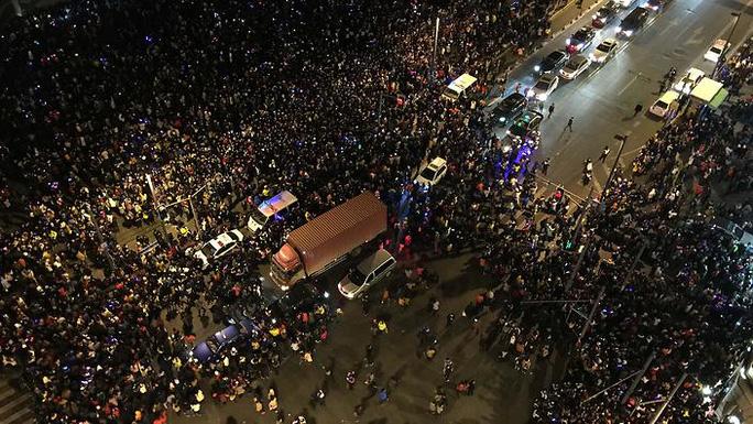 Vụ giẫm đạp Thượng Hải. Ảnh: SBS