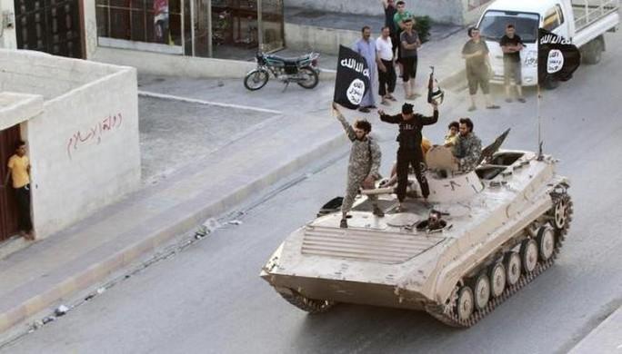 Chiến binh IS ở tỉnh Raqqa - Syria. Ảnh: Reuters