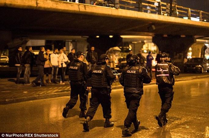 Tăng cường an ninh sau vụ tấn công. Ảnh: Nur Photo/REX Shutterstock