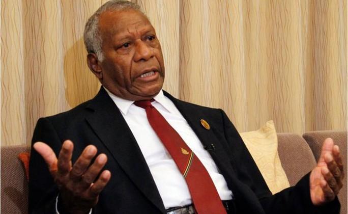 Tổng thống Vanuatu Baldwin Lonsdale thề sẽ dọn sạch rác bẩn trong chính quyền. Ảnh: AP