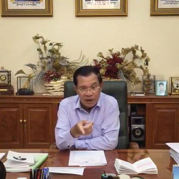 Thủ tướng Campuchia Hun Sen phát biểu trực tiếp trên Facebook hôm 12-11. Ảnh: Facebook