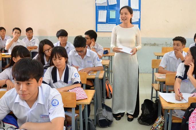 Giáo viên Trường THPT Marie Curie TP HCM trong giờ lên lớp Ảnh: TẤN THẠNH