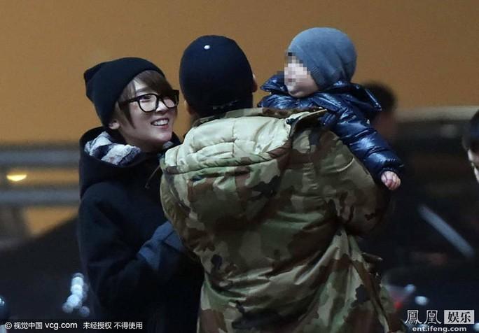 Gia đình hạnh phúc của Ngô Kinh