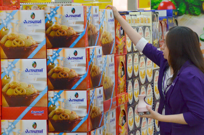 Bánh nhập khẩu từ Thái Lan trong các siêu thị Ảnh: TẤN THẠNH