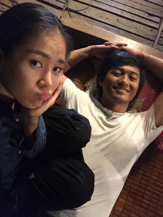 Lê Phương và Quý Bình trong phim Sông phố nhà ghe