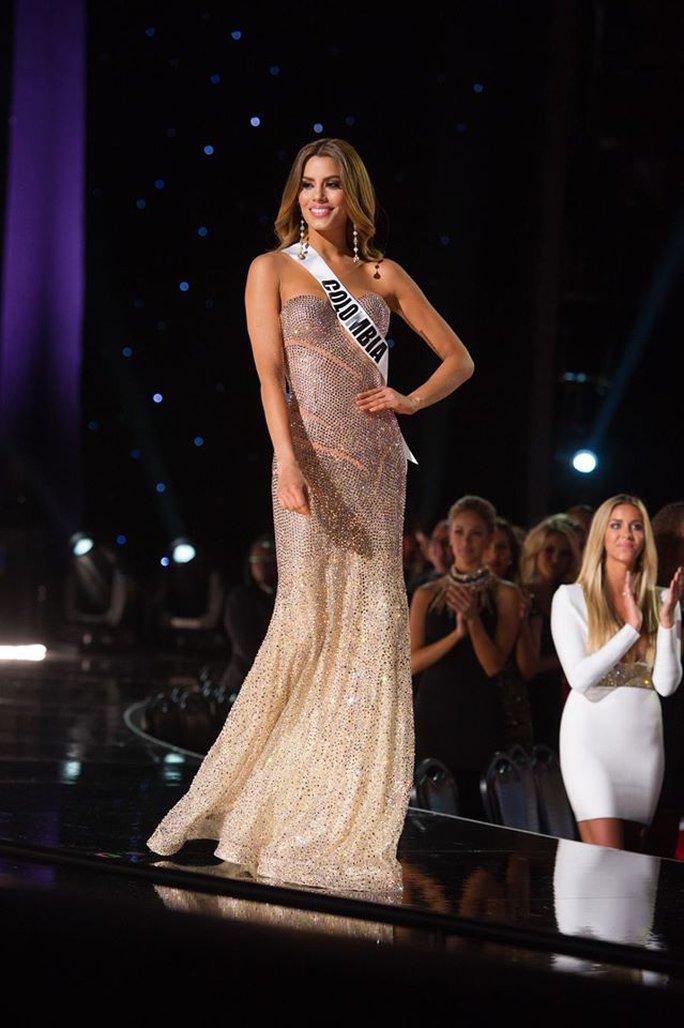 Cô trở thành tâm điểm sau vụ nhầm lẫn gây sốc đêm chung kết Hoa hậu Hoàn vũ
