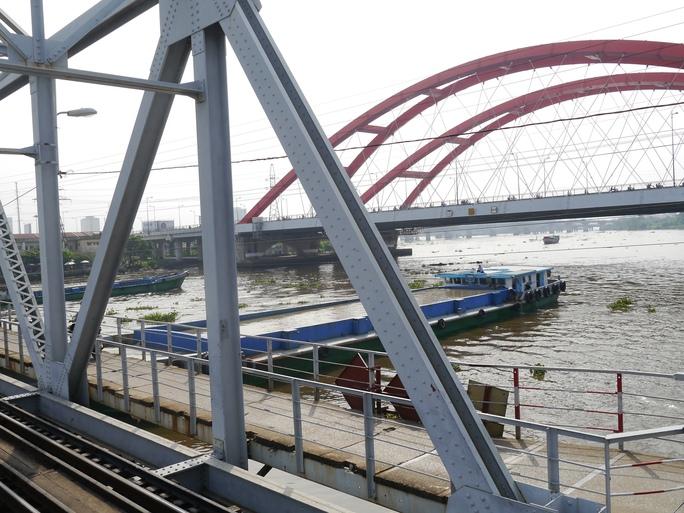 Dự kiến, dự án nâng cấp cầu đường sắt Bình Lợi sẽ được hoàn thành vào năm 2016. Tuy nhiên, dù đã làm lễ động thổ từ tháng 4-2015 nhưng đến nay vẫn đang trong giai đoạn chờ bổ sung thủ tục.