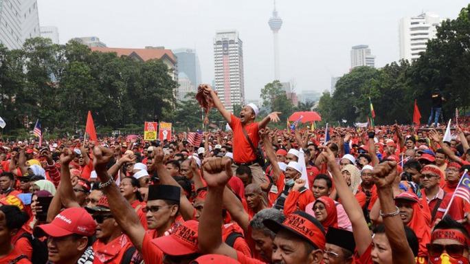 Vụ việc của 1MDB gây lo ngại về sự ổn định chính trị ở Malaysia. Ảnh: AP