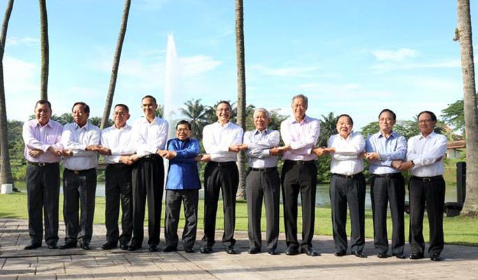 Hội nghị hẹp Bộ trưởng Quốc phòng ASEAN diễn ra ở thủ đô Kuala Lumpur - Malaysia ngày 3-11  Ảnh: REUTERS