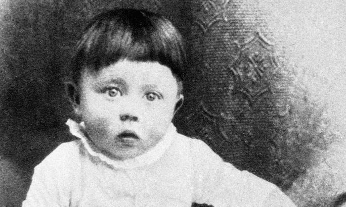 Trùm phát xít Đức Adolf Hitler khi còn là một đứa trẻ. Ảnh: CORBIS