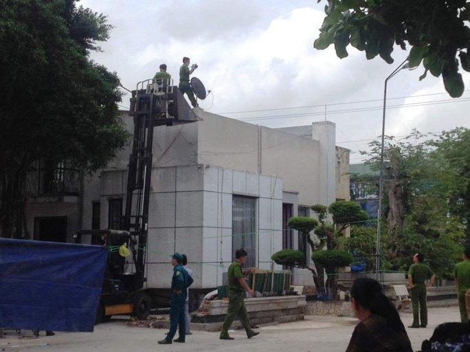 Căn biệt thự xảy ra vụ thảm sát 6 người ở Bình Phước - Ảnh: Lê Phong