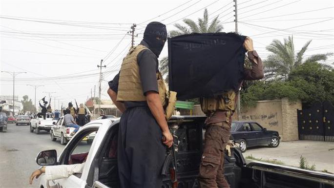 Các tay súng IS tại thành trì Mosul - Iraq. Ảnh: Press TV