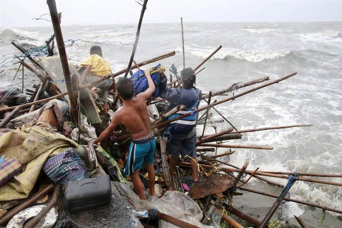 Các thị trấn ven biển bị ảnh hưởng nặng. Ảnh: NBC News