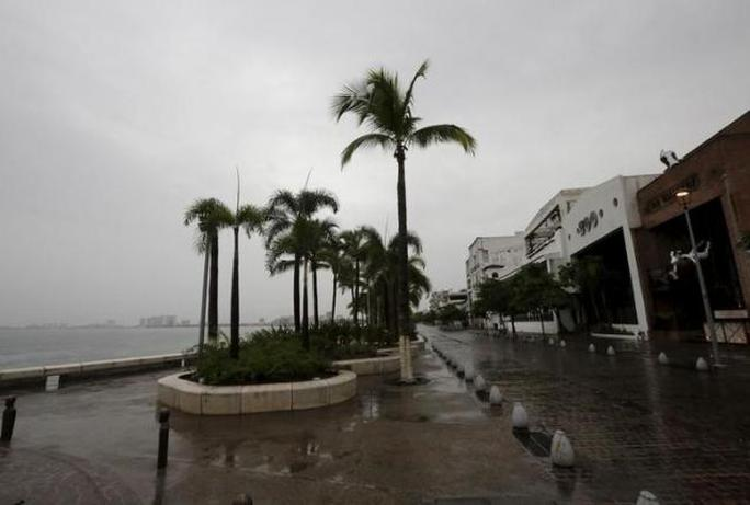 """Siêu bão Patricia """"tha"""" Mexico"""