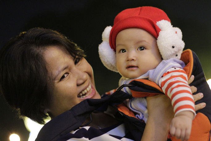 Trời trở lạnh, người Sài Gòn náo nức đón Noel sớm