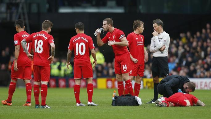 HLV Klopp nhận hung tin sau trận thua thảm Watford