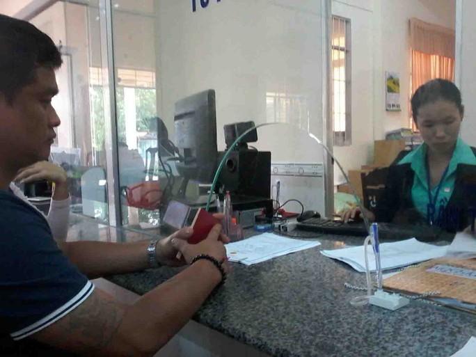 Sau khi xem qua hồ sơ, UBND xã Mỹ Khánh lại hướng dẫn ông Tan Kek Wei đến TAND TP Cần Thơ để được giải quyết. Ảnh: Công Tuấn