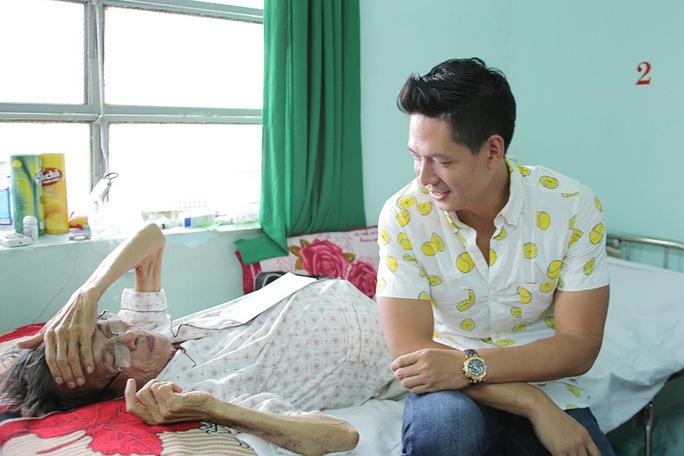 Bình Minh trò chuyện cùng diễn viên Thành Lũy