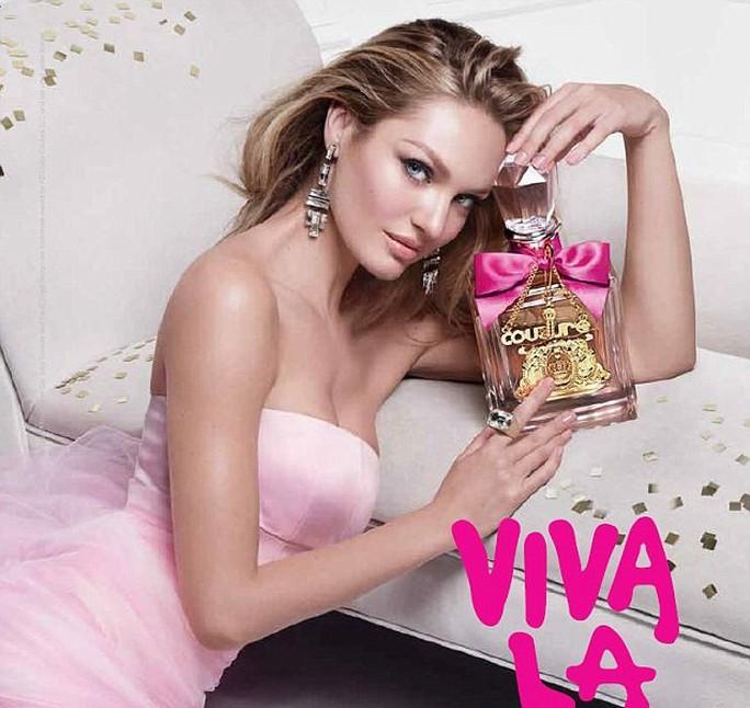 Siêu mẫu Candice Swanepoel gợi cảm với đầm hồng phấn