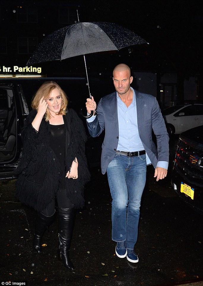Adele và vệ sĩ điển trai