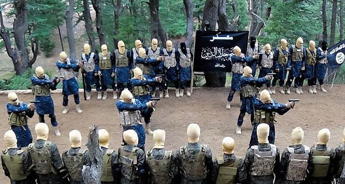 Lực lượng IS ở Afghanistan ngày càng lớn mạnh. Ảnh: Daily Mail