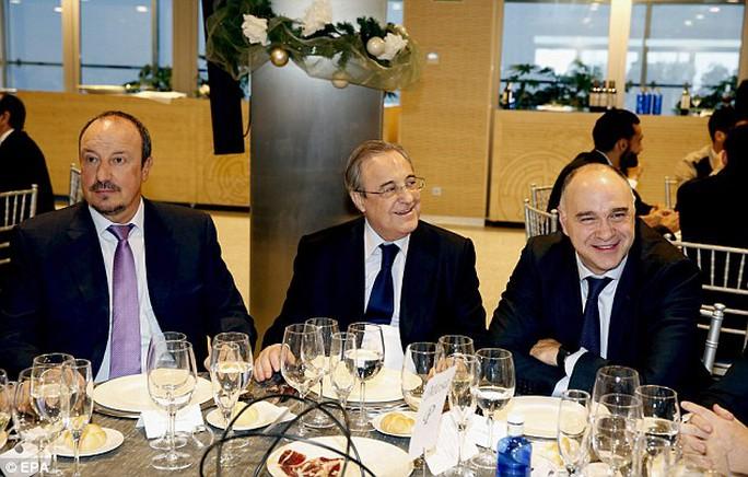 HLV Benitez và Chủ tịch Real Madrid F.Perez