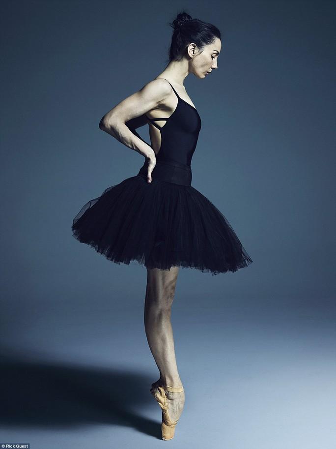 Tamara Rojo - - Giám đốc nghệ thuật và vũ công của Đoàn Ballet Quốc gia Anh (English National Ballet)