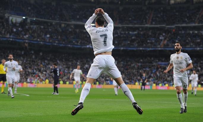 Ronaldo úp mở khả năng rời Real Madrid