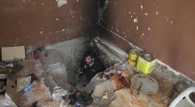 Đường hầm của IS ở thị trấn Sinjar. Ảnh: Daily Mail