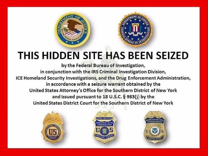 Thế giới Dark Web đã tồn tại từ lâu nhưng chỉ được phần đông người dùng internet biết đến vào năm 2013 sau khi Cục điều tra liên bang Mỹ (FBI) triệt phá Silk Road - trang Dark Web chuyên mua bán nhiều loại hàng cấm và được mệnh danh là Amazon.com của ma túy. Tuy nhiên, ngay sau đó các phiên bản Silk Road 2.0, 3.0... vẫn xuất hiện.
