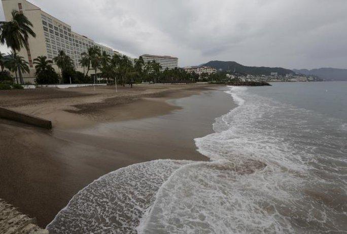 Thành phố du lịch Puerto Vallarta vẫn bình yên sau khi bão gây ảnh hưởng. Ảnh: Reuters