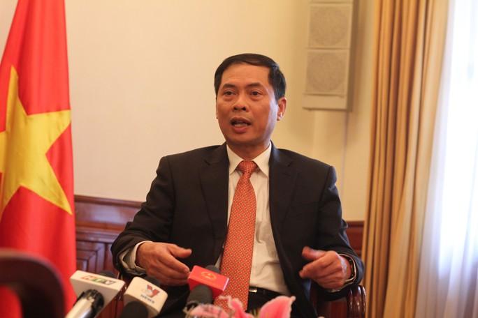 Thứ trưởng Ngoại giao Bùi Thanh Sơn trả lời báo chí về công tác đối ngoại vào ngày 31-12