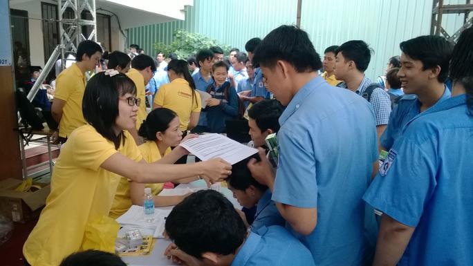 Ngày hội Việc làm Cao Thắng luôn thu hút rất đông ứng viên tham gia