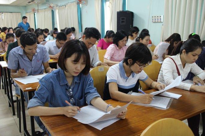 Các thí sinh trong phần thi trắc nghiệm
