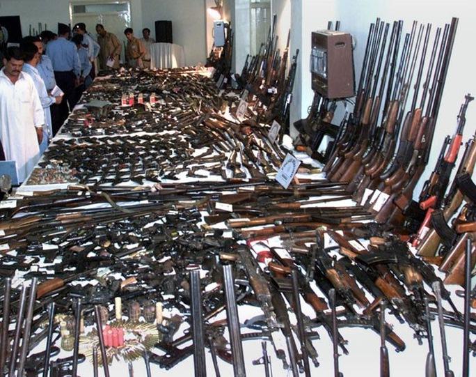 Hàng ngàn đơn vị vũ khí trôi nổi khắp châu Âu có thể lọt vào tay bọn khủng bố. Ảnh: I-HLS