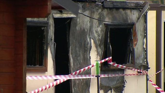 Đám cháy khiến 10 người chết. Ảnh: Sky News