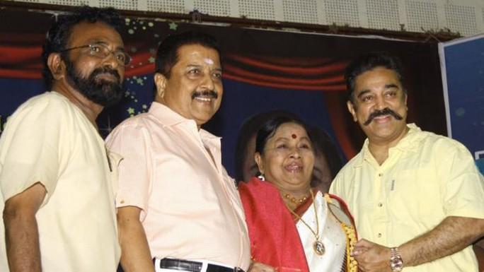 Huyền thoại Bollywood qua đời vì đau tim
