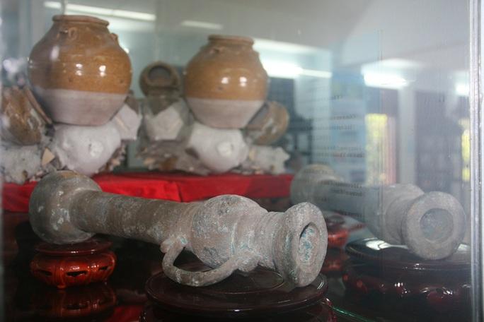 Súng lệnh, chất liệu đồng, niên đại thế kỷ XV, thu được từ tàu đắm Bình Thuận (tỉnh Bình Thuận)