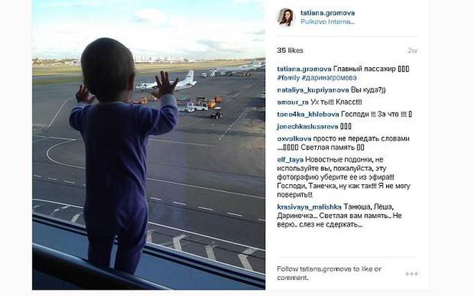 Ảnh chụp cô bé 10 tháng tuổi trở thành biểu tượng thương đau. Ảnh: Instagram