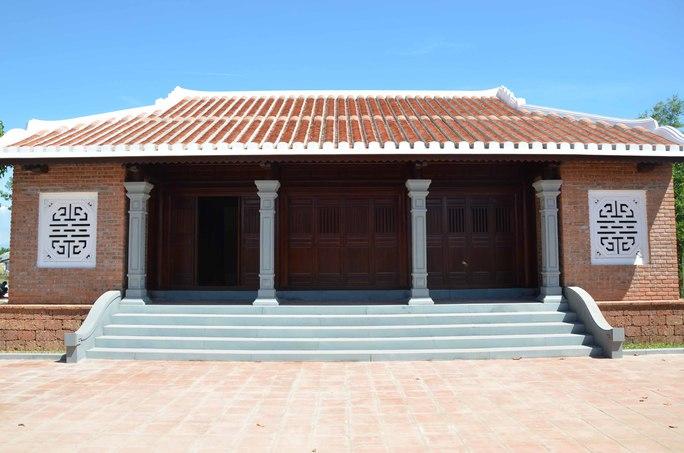 Kiến trúc nhà ba gia cổ kính bên trong khu lưu niệm sẽ là nơi trưng bày hình ảnh, tư liệu về cuộc đời và sự nghiệp của ông