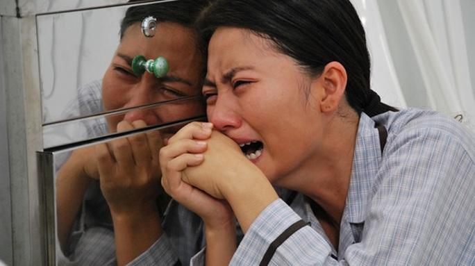 """Ngọc Lan """"bật khóc"""" kể chuyện đóng phim gian khổ!"""