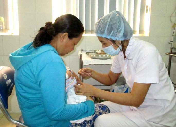 Tiêm ngừa cho trẻ tại Trung tâm Chăm sóc sức khỏe sinh sản TP HCMẢnh: ANH THƯ