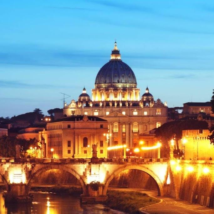 Tòa thánh Peters Basilica ở Rome là một trong những mục tiêu tấn công khủng bố. Ảnh: Plus