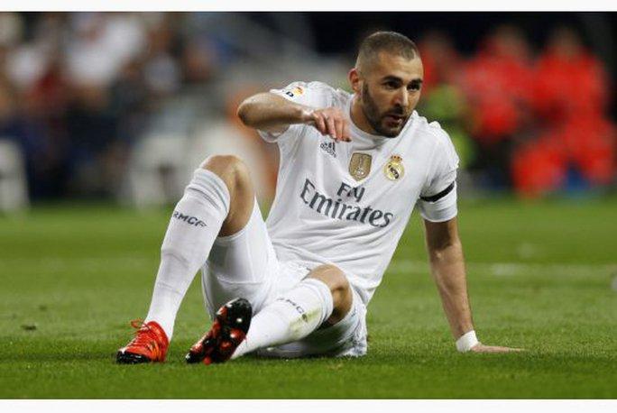 Sự nghiệp của Benzema đang bị đe dọa nghiêm trọng
